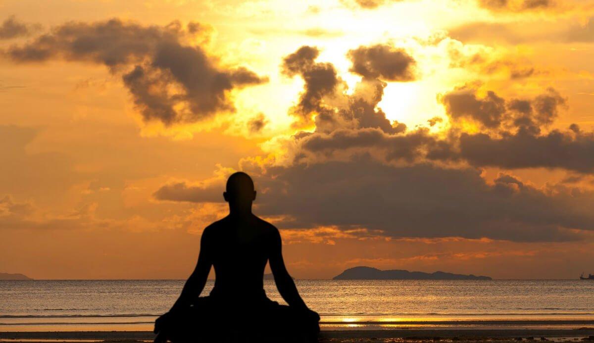 30 Inspirational Quotes On Detachment Awakenthegreatnesswithin