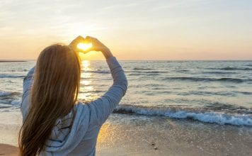 20 Affirmations That Will Attract Love Into Your Life